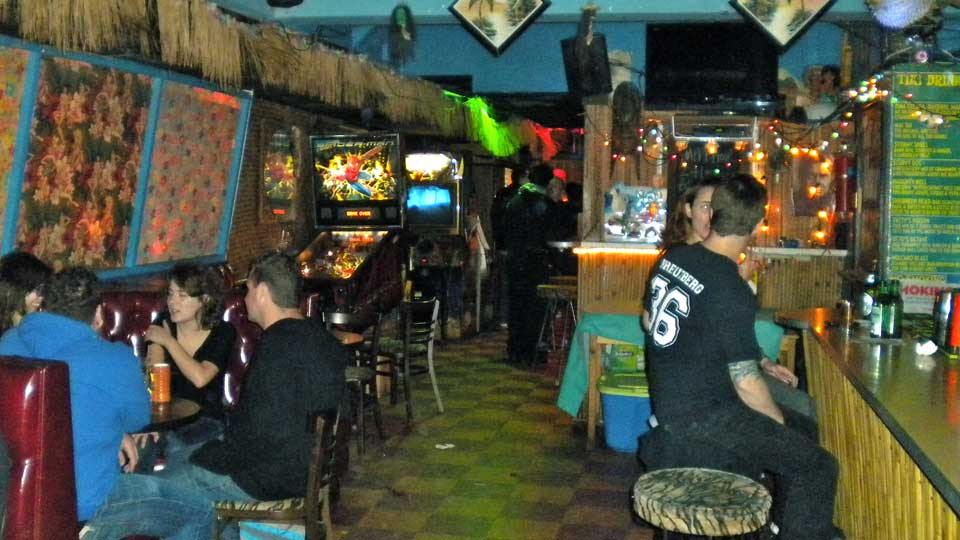 Escape The Cold Without Leaving Nyc With Tropical Themed Bar