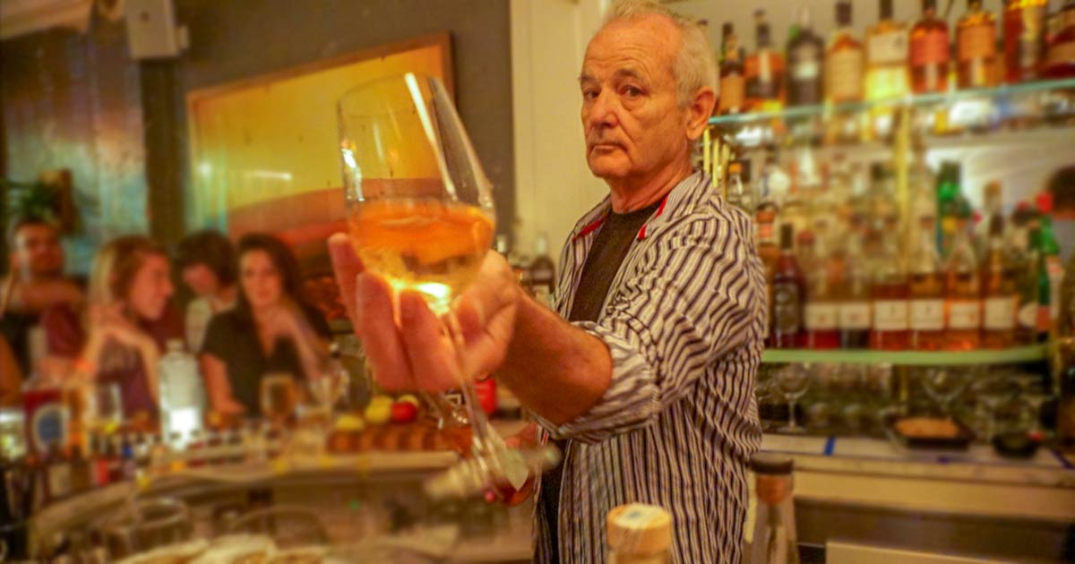 ¿Cuánto mide Bill Murray? - Real height Bill-murray-guest-bartends-21-greenpoint
