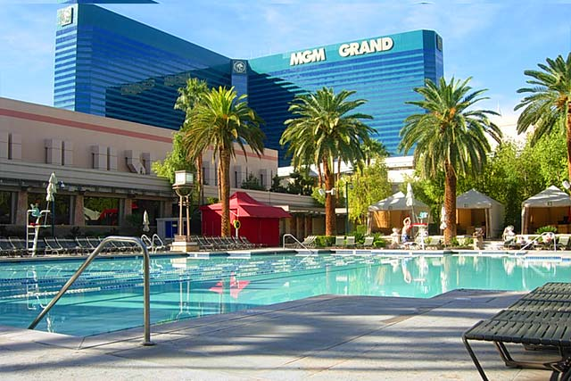 Las Vegas Pools That Are Open Year Round Thirsty