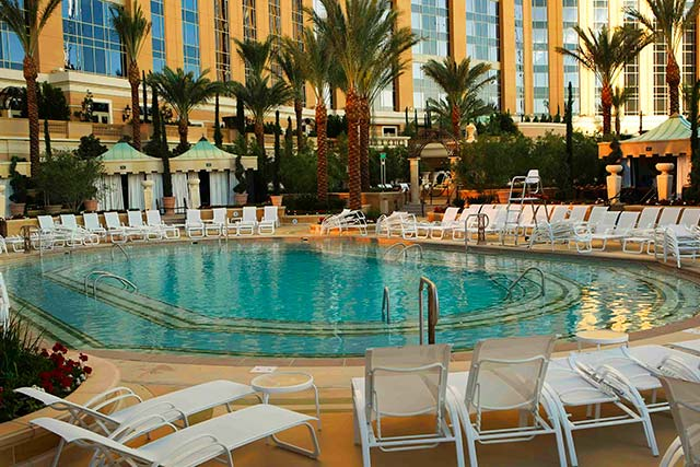 Las vegas pools that are open year round thirsty for Indoor swimming pools in las vegas