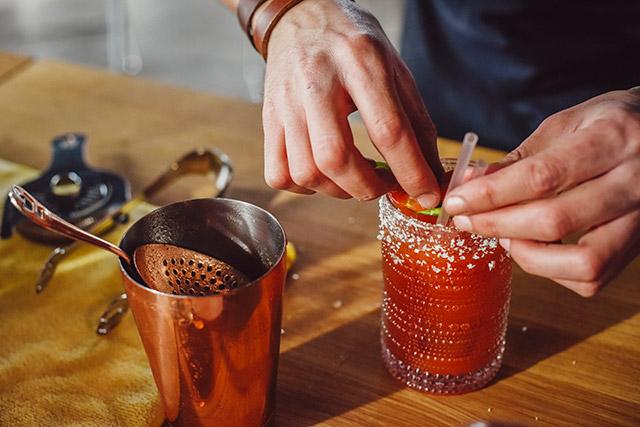 brunch-vaso-rooftop-bar-bloodymary-crafting