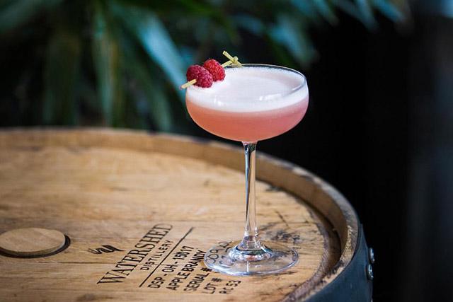 taste-watershed-kitchen-_-bar-clover-club-cocktail