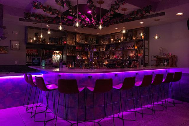 222-taco-bar-at-night