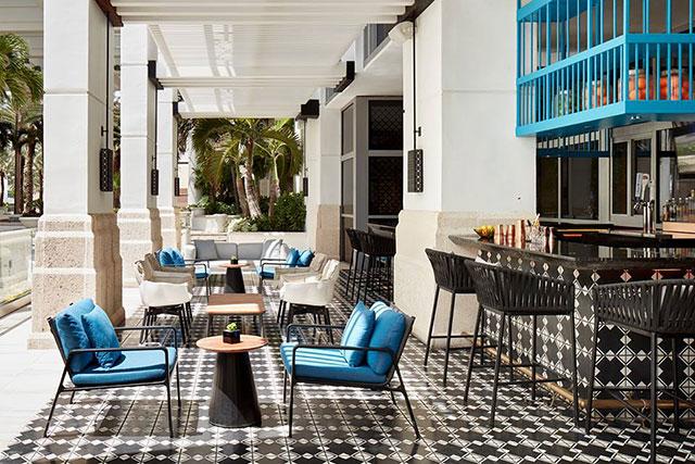 bar-collins-venue-at-loews-miami-beach-hotel
