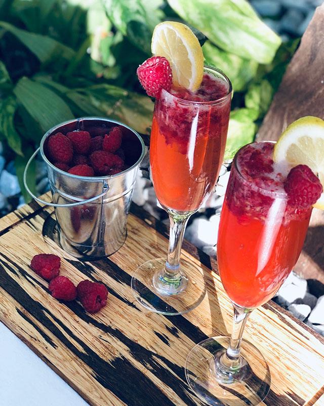 nikki-beach-miami-sparkling-lemonade-mimosa