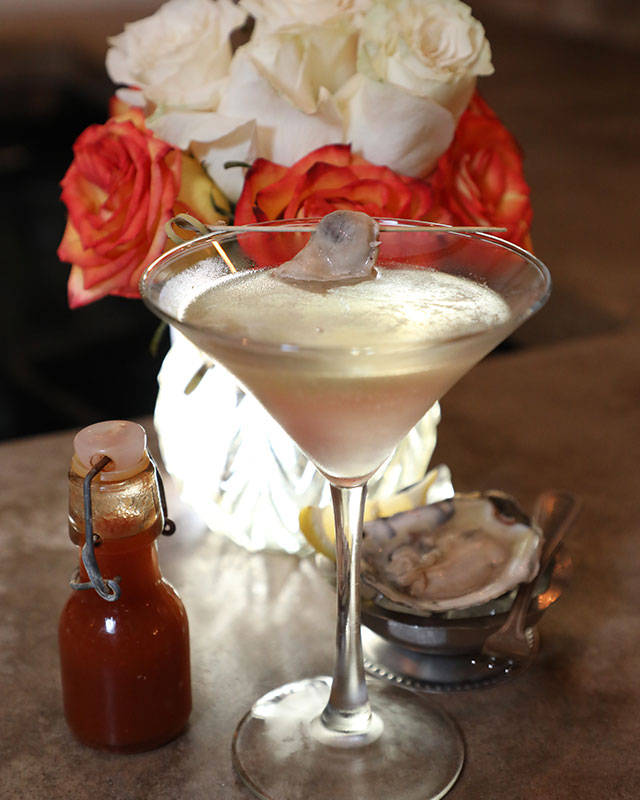 the-local-house-cocktail-oyster-2